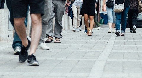 Greens call for efforts to support businesses and social distancing requirements in towns and urban centres