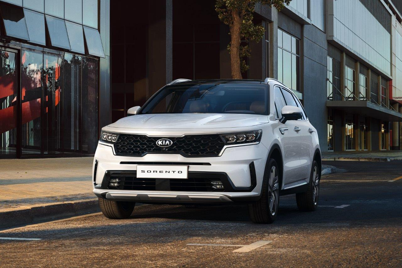 Kia's newest SUV will be available with hybrid power
