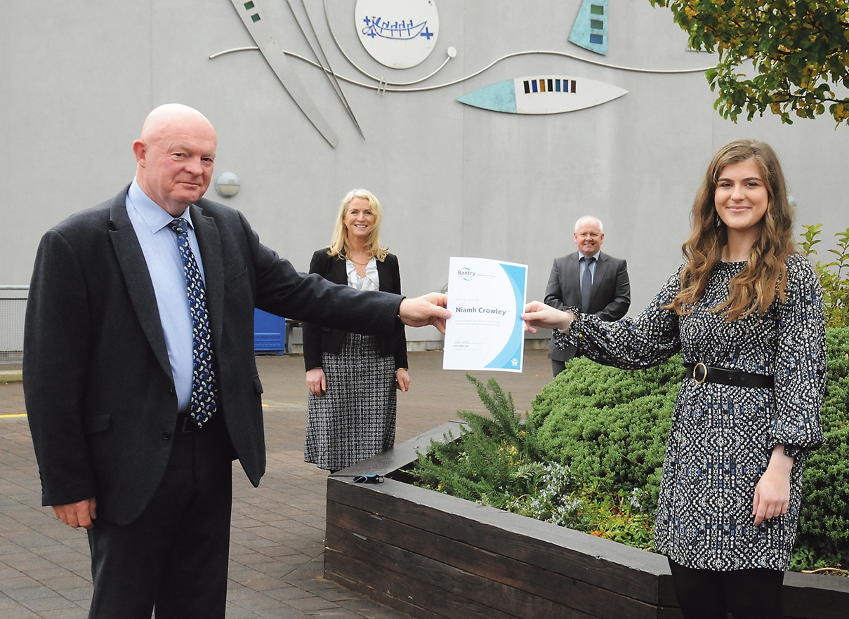 Niamh Crowley awarded Bantry Credit Union Scholarship for 2020