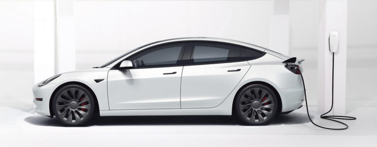 Tesla 3 doesn't disappoint
